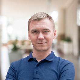 Владислав Суставов